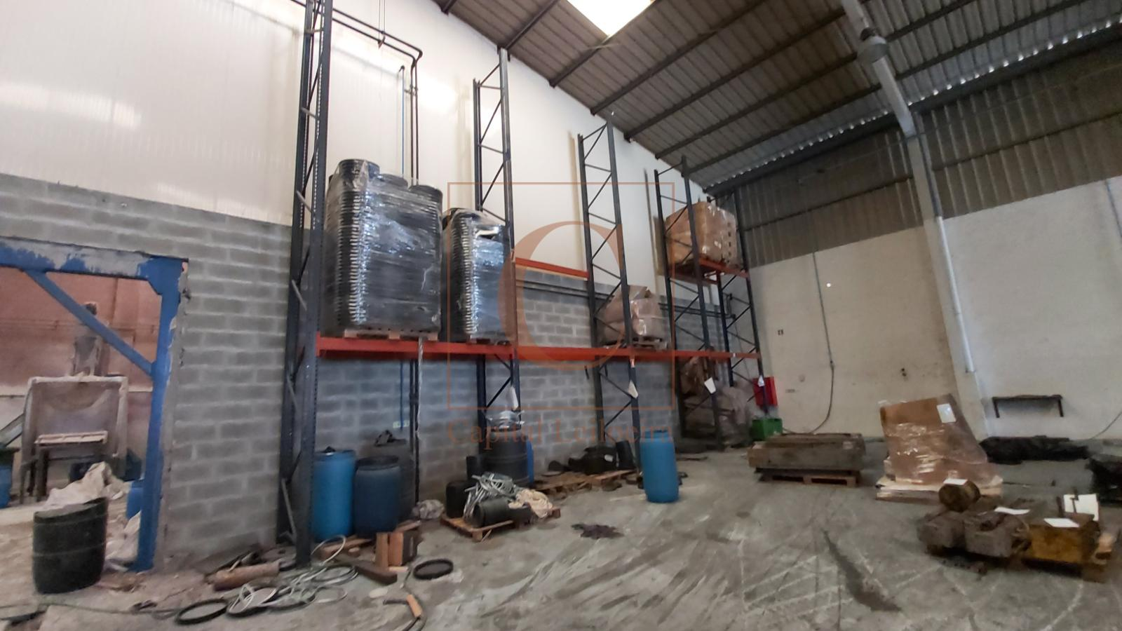 LOTE 4   Estantaria e Diversos   Indústria de Plásticos